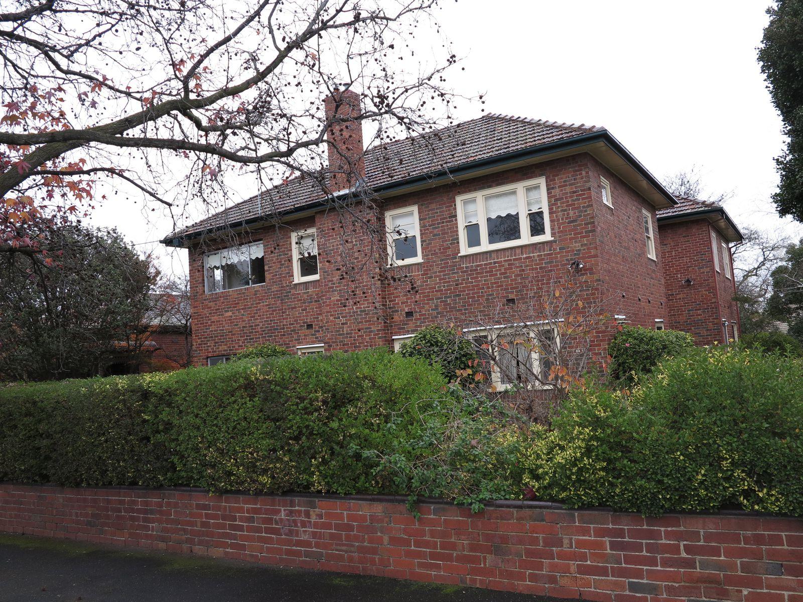 2 / 42A Hawthorn Grove, Hawthorn