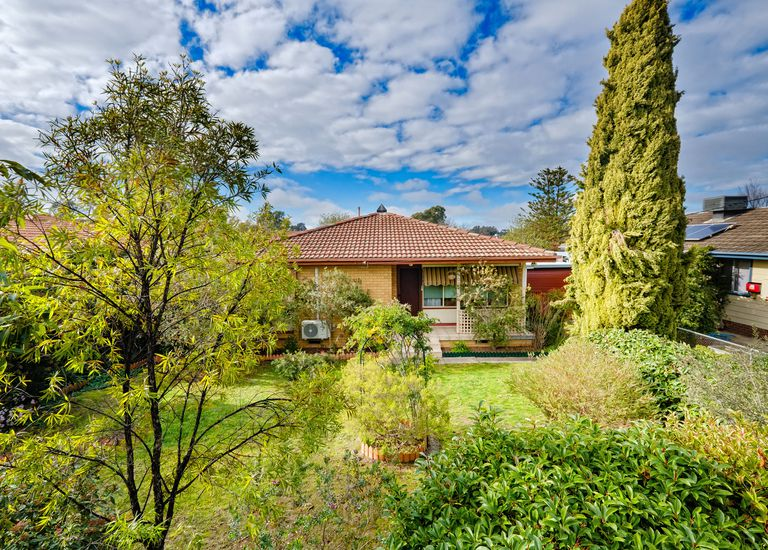 990 Captain Cook Drive, North Albury