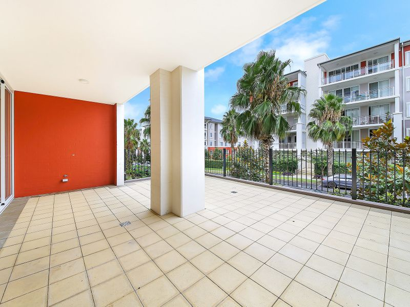 212 / 2-4 Palm Avenue, Breakfast Point