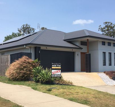 10 Rowley Close, Glass House Mountains