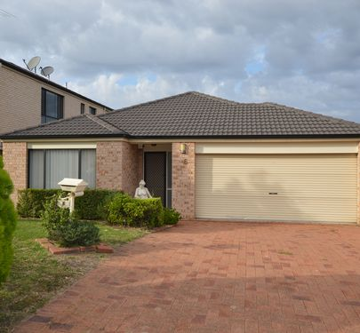 6 Winter Avenue, Kellyville