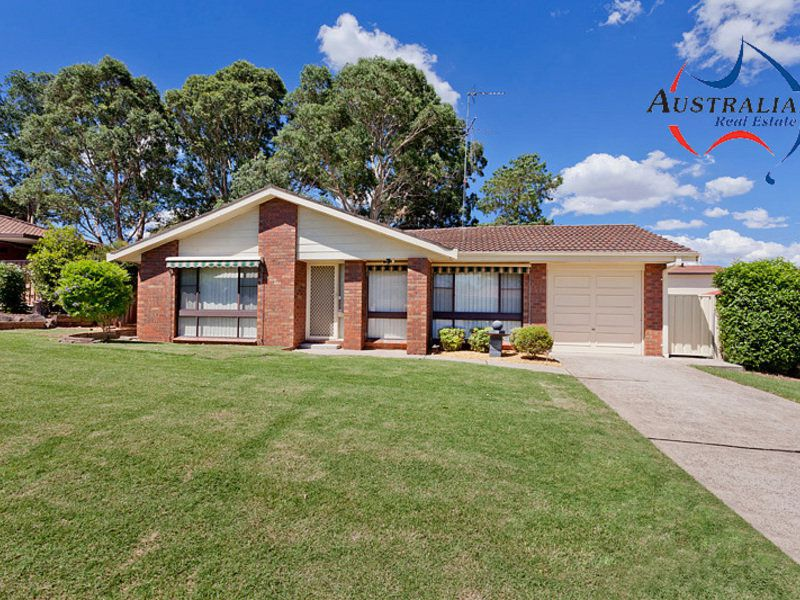 72 Pine Creek Circuit, St Clair
