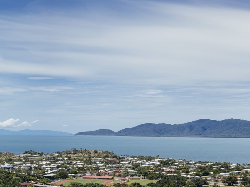 2 / 21 Hillside Crescent,, Townsville City