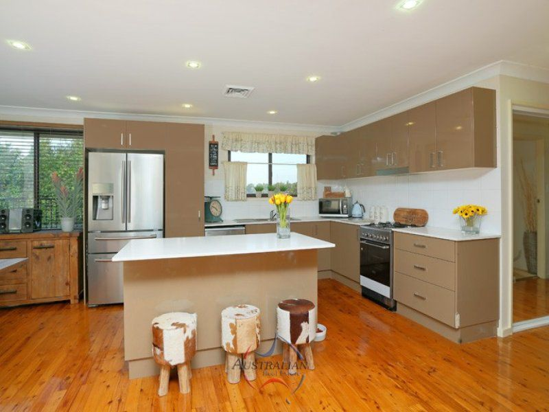 6 Omega Place, St Clair