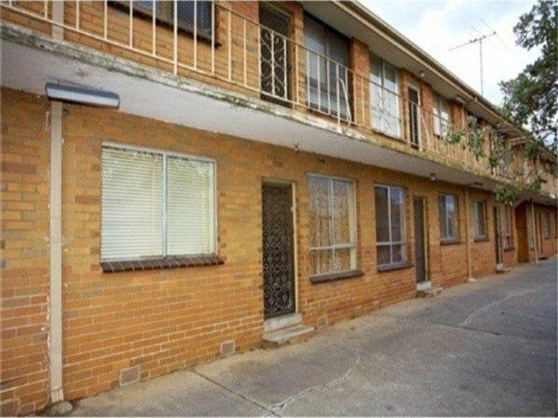 4 / 697 Barkly Street, Footscray