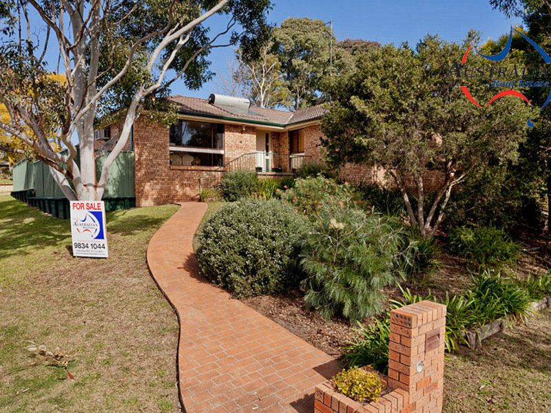 2 Walkers Lane, St Clair