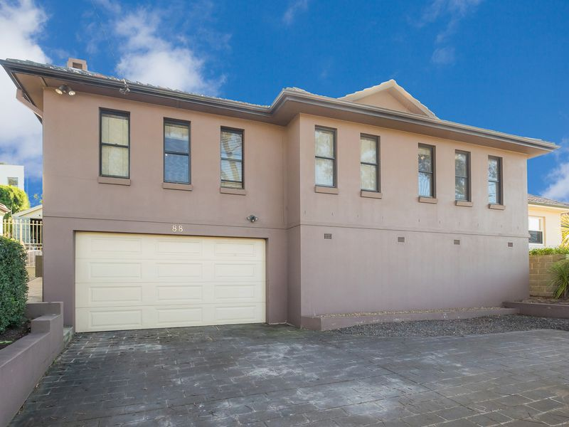 88 Eastern Valley Way, Willoughby