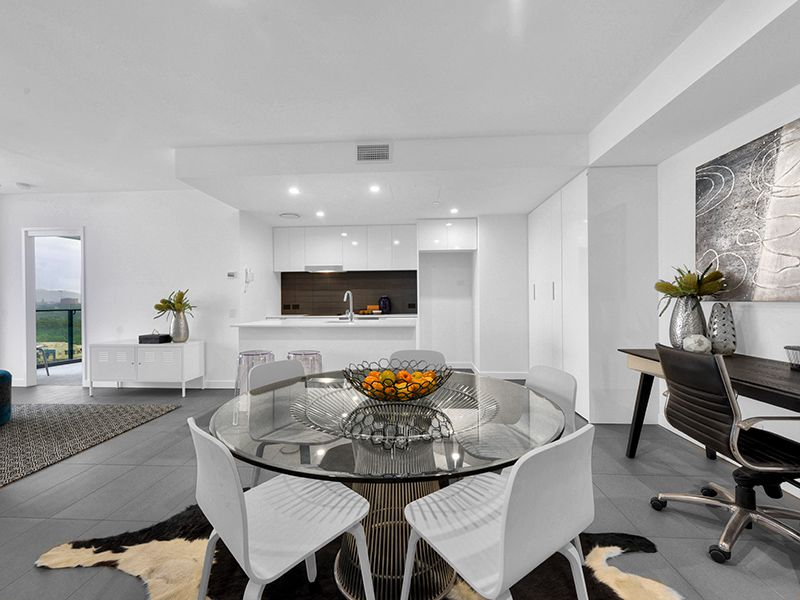 2203 / 10 Trinity Street, Fortitude Valley