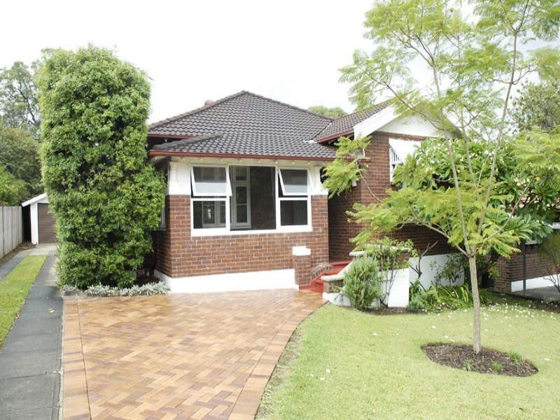 11 Forest Grove, Epping