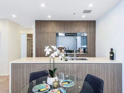 615 / 1  George Julius Avenue, Zetland