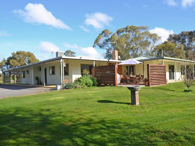 5 Brook Farm Road, Stawell