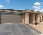 54 Fieldstone Crescent, Cranbourne North