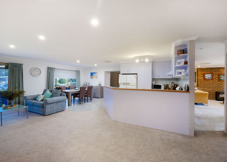85 Southern View Drive, West Albury