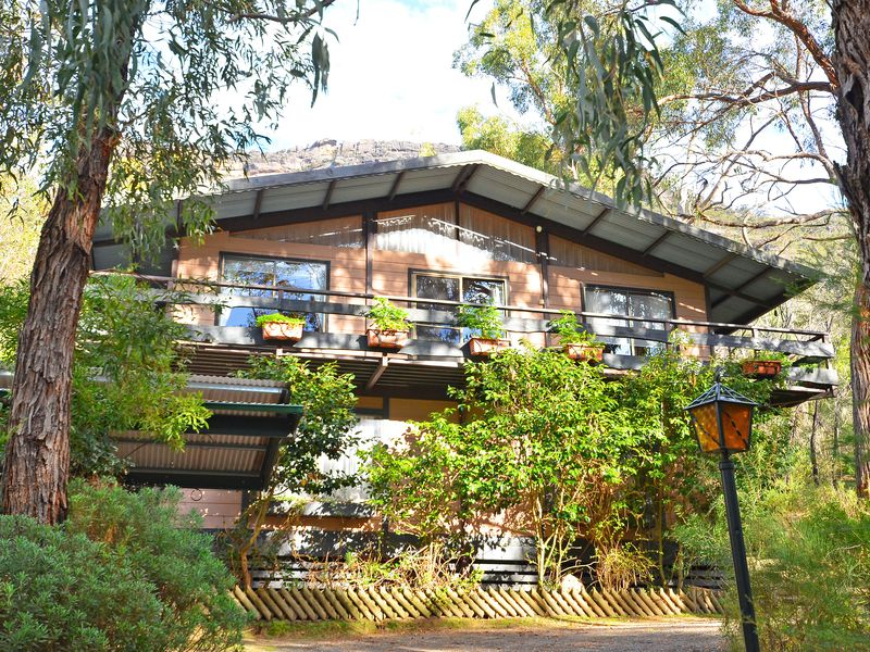 28 High Road, Halls Gap