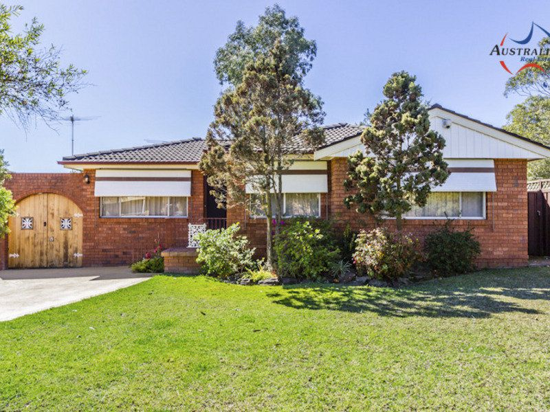 4 Mortimer Lewis Grove, St Clair