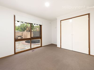 318 TRACY STREET , Lavington