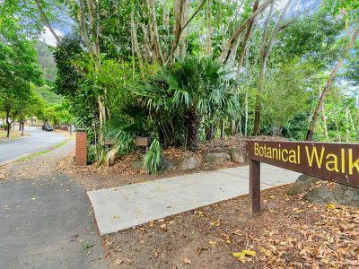 4 Treetop Drive, Mount Sheridan