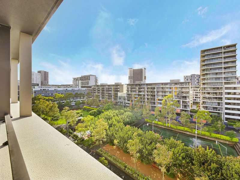 702 / 3 George Julius Avenue, Zetland