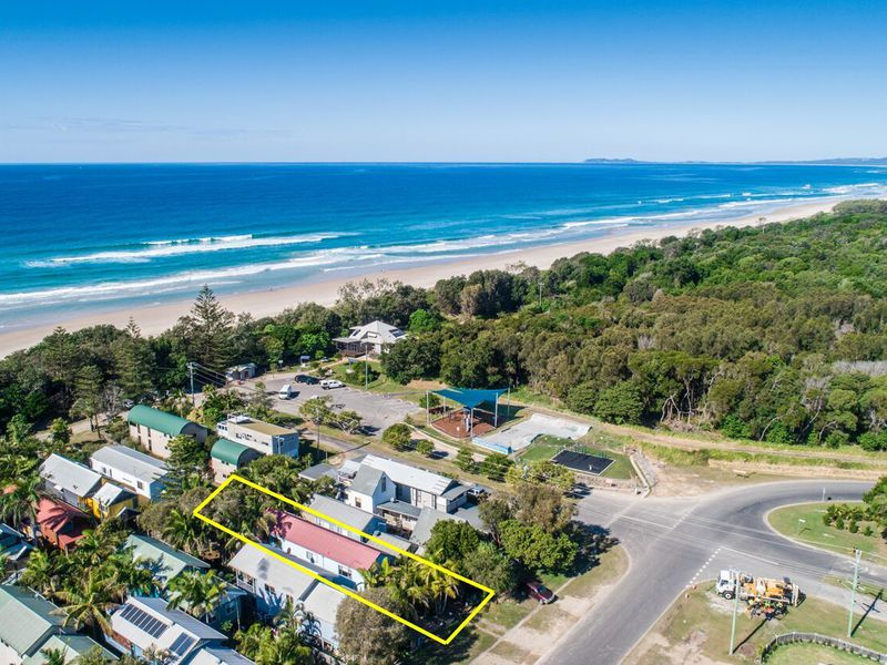 7 Beach Avenue, South Golden Beach