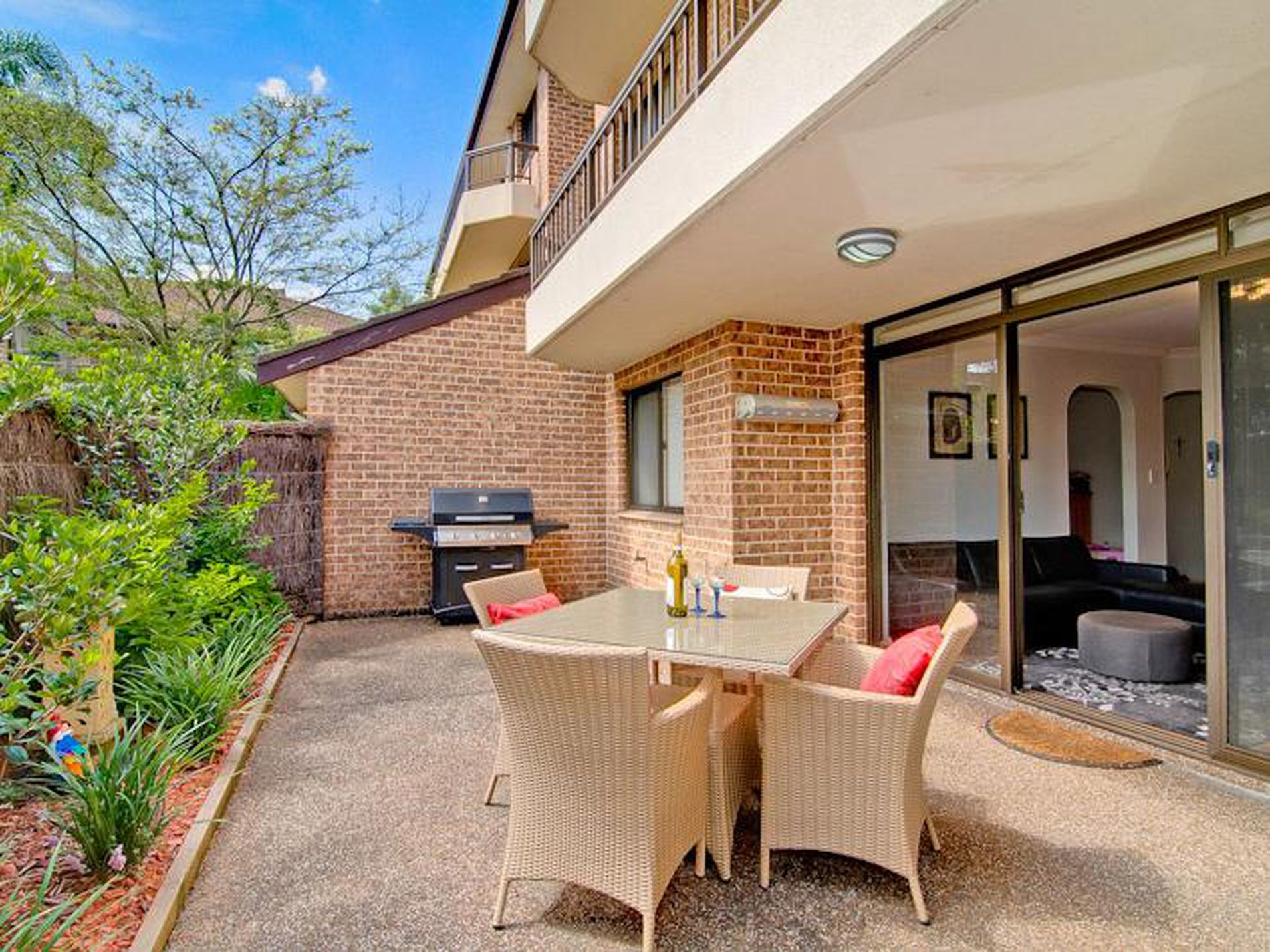 4 / 37 Carlingford Road, Epping