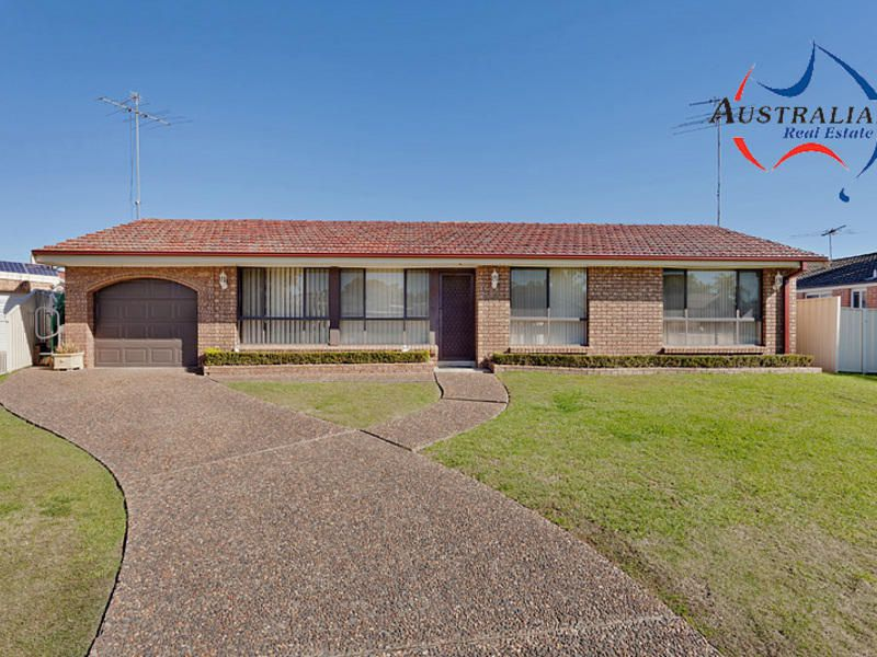13 Eucumbene Place, St Clair