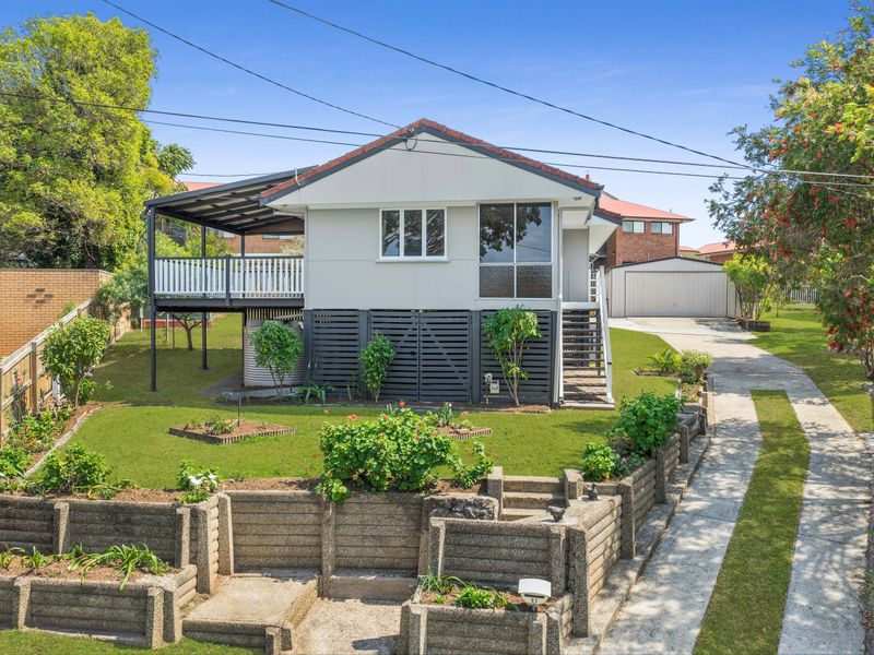 83 Roseneath Parade, Wynnum West