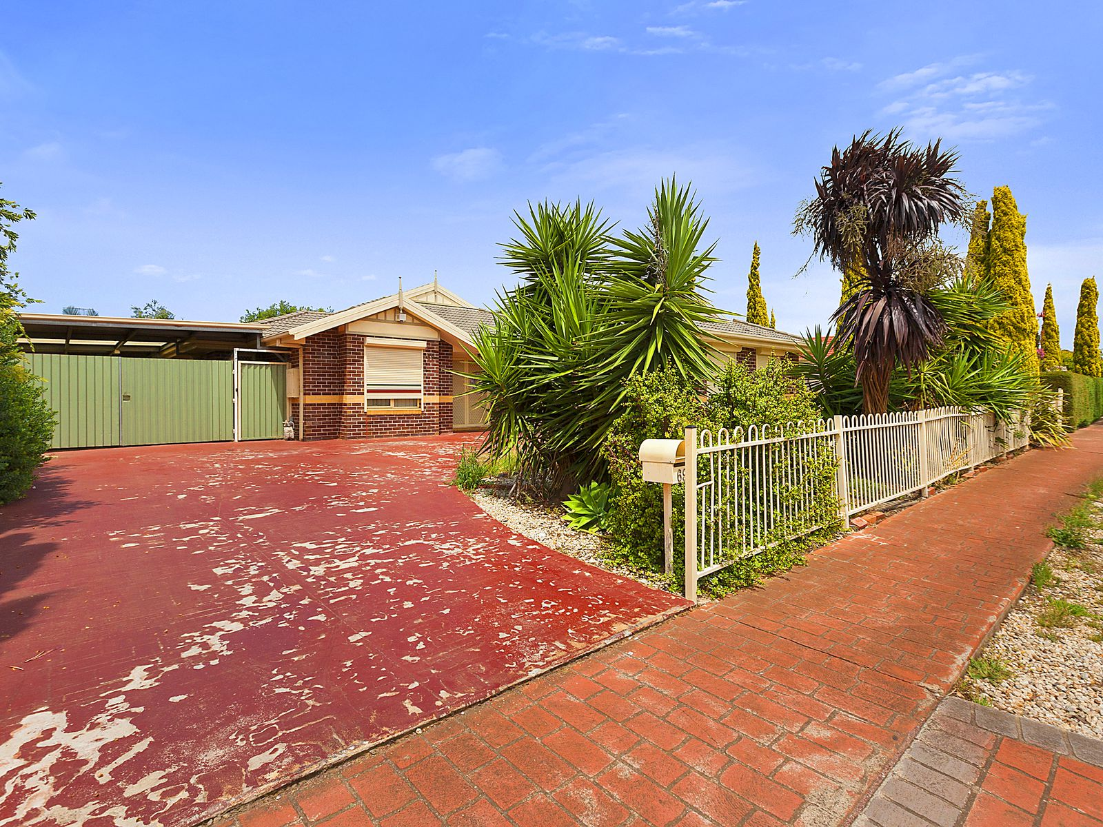 69 Dunnings Road, Point Cook