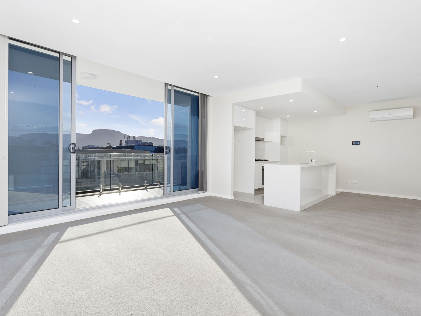 704 / 51 Crown Street, Wollongong