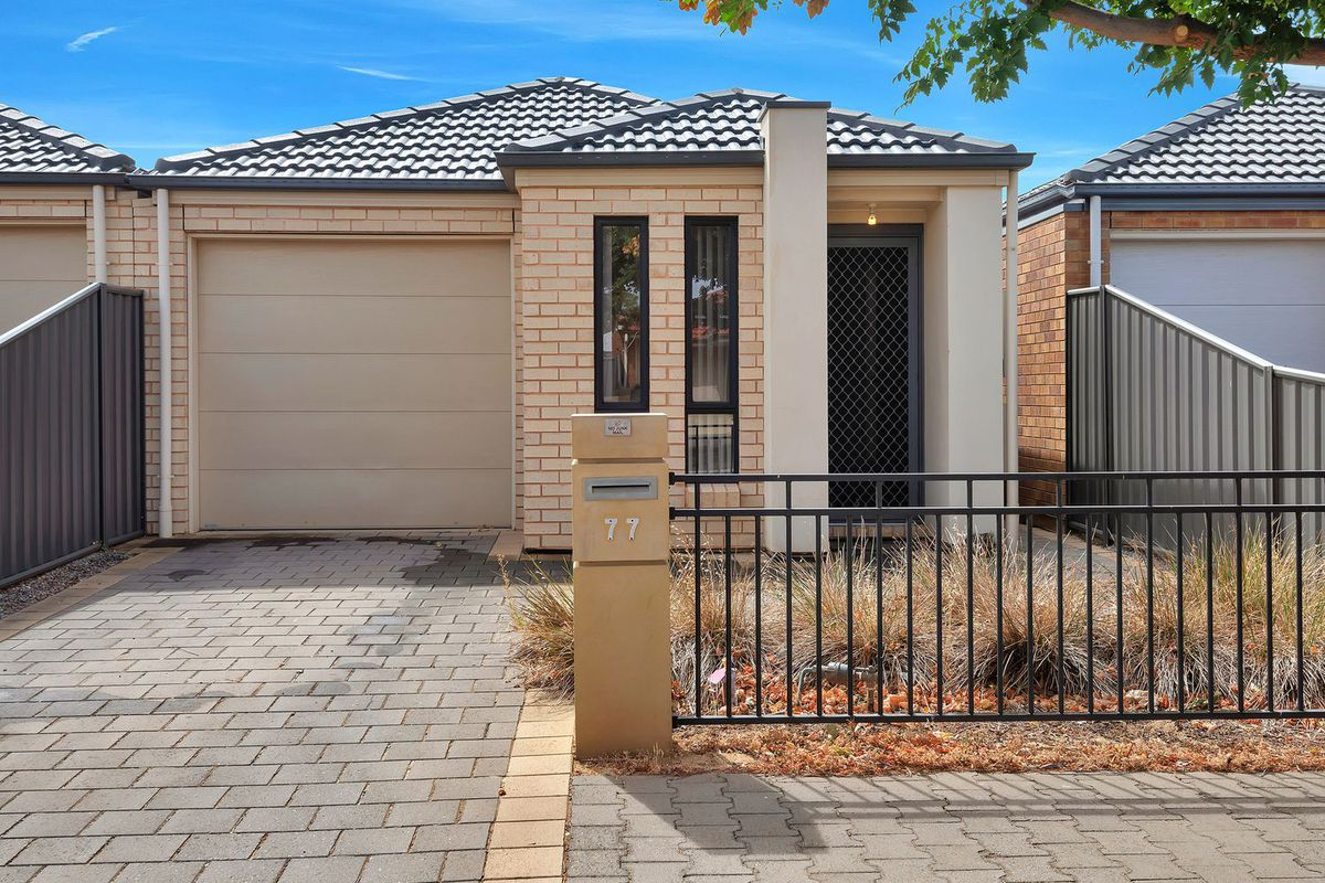 3 Bedrooms, Ducted Air-conditioning, Master Bedroom with En-suite