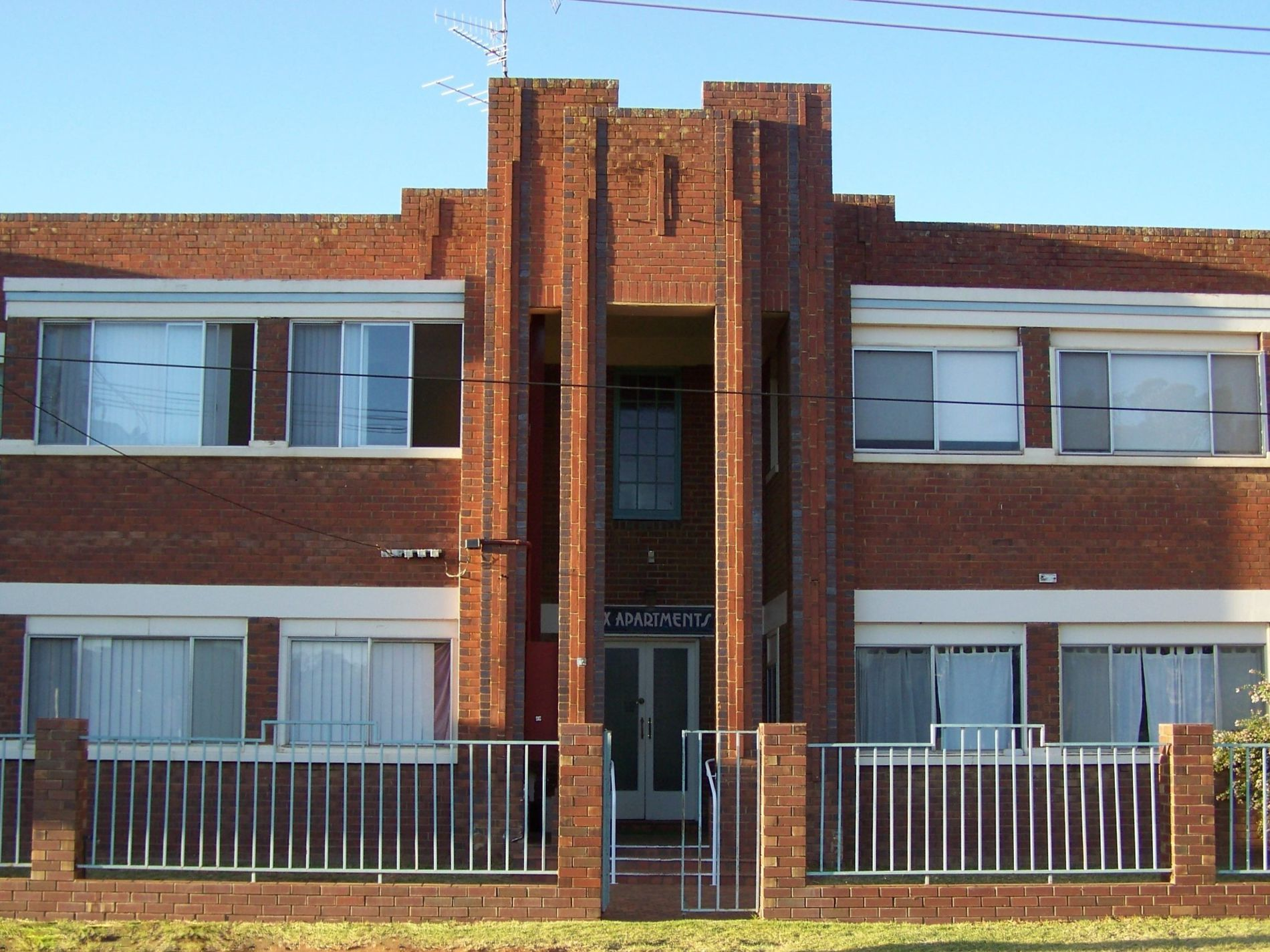 1 / 10 Olympic Street, Griffith