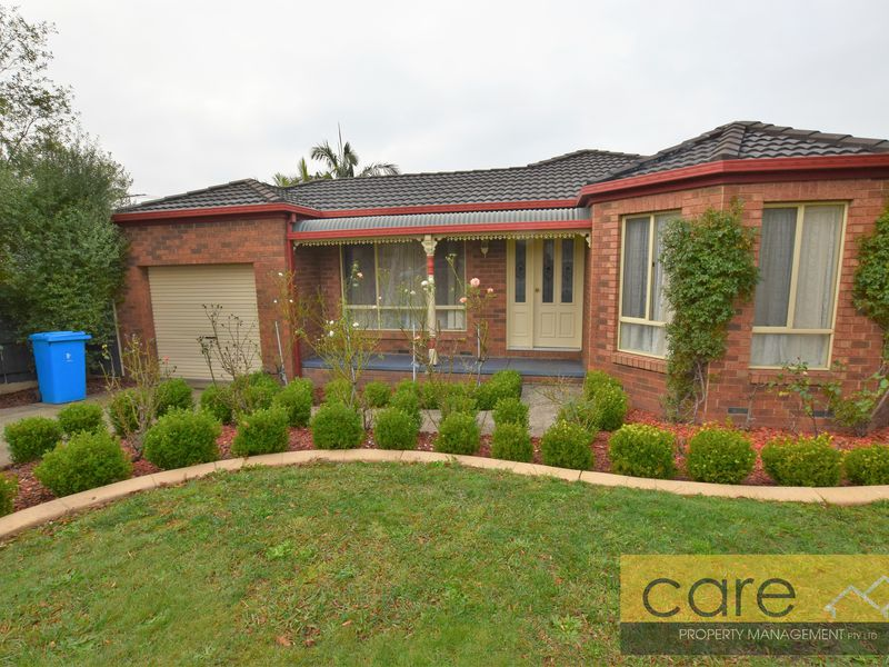 8 Sallybrook Circuit, Narre Warren